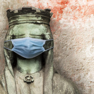 Justitia mit Schutzmaske